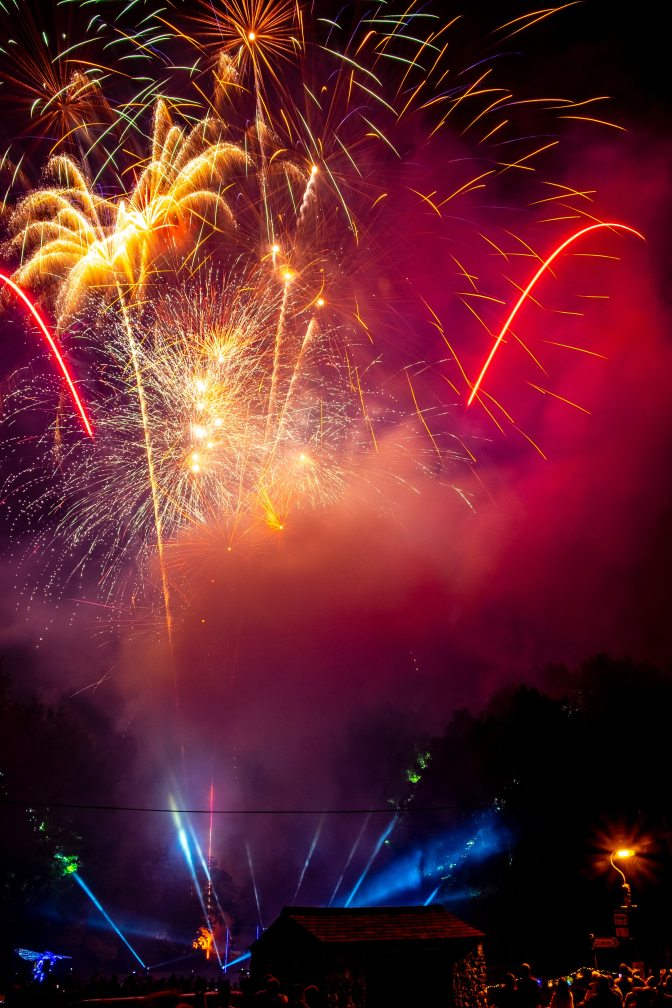 fireworks-display-1317374